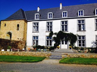 Gorgeous 6 bedroom Chateaubriant Manor house with Internet Access - Chateaubriant vacation rentals
