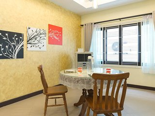 Book 1 double room FREE 1 double room / BTS / WiFi - Bangkok vacation rentals
