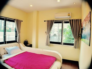 Book 1 single (ensuite) FREE 1 single / BTS / WiFi - Bangkok vacation rentals