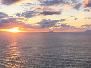 Prestigioso attico sospeso sul mare - Piraino vacation rentals