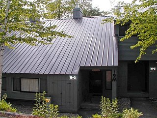 V019M- Managed by Loon Reservation Service - NH Meals & Rooms Lic# 056365 - Lincoln vacation rentals