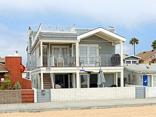 Newly Remodeled Oceanfront Patio level in Triplex! (68165) - Newport Beach vacation rentals