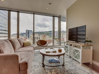Luxury downtown condo w/ floor-to-ceiling windows & great views - dog friendly! - Portland vacation rentals