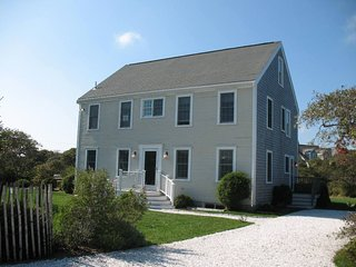 Bright 3 bedroom Nantucket House with Deck - Nantucket vacation rentals