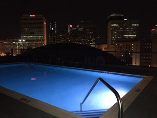 Roof Top Pool Two Bedroom Condo CITY CENTER - Nashville! 2FF2CZI - Nashville vacation rentals