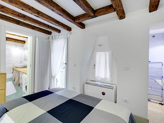 Apartment with 1 double bedroom and patio - Venice vacation rentals