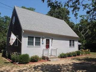 Bright 2 bedroom House in North Eastham with A/C - North Eastham vacation rentals