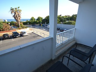 Apartment in Carcavelos beach front - Lisbon vacation rentals