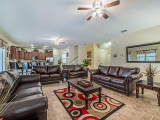 Perfect Disney home, 6/6, pool, game room - Davenport vacation rentals