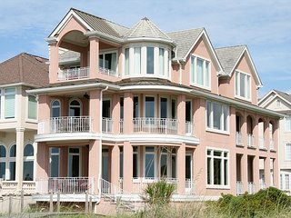 Direct Oceanfront home, 5 Bedrooms, 5.5 Baths with Private Pool - Hilton Head vacation rentals