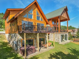 Stunning newly bulit log home offers phenomenal lake front! - Oakland vacation rentals
