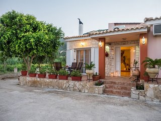 """Casa Di Vacanza"" - Two Bedroom House - Alykes vacation rentals"