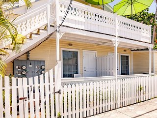 SEA BREEZE  - Island Style Key West Condo - A Parrot Head's Paradise! - Key West vacation rentals