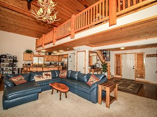 5 STAR! Awesome! Sleeps 9-12 HOT TUB! GAMEROOM! VILLAGE! LAKE! - Big Bear Lake vacation rentals