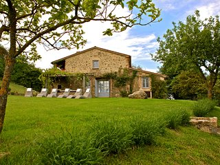 Authentic Tuscan luxury farmhouse - San Casciano dei Bagni vacation rentals