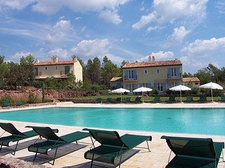 Nice Villa with Internet Access and Shared Outdoor Pool - La Motte vacation rentals