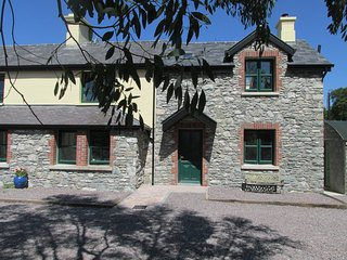 Nice Cottage with Television and Water Views - Killarney vacation rentals