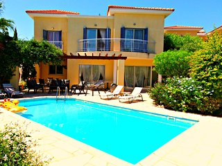Latchi Beach - 3 Bed Villa - 200m To Latchi Beach - Latchi vacation rentals