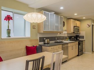 Modern City Apartment – Close to City, Airport, Sound and Ferries - Seattle vacation rentals