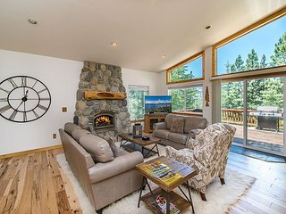 Huge Mountain Bungalow – Make Fresh Popcorn in Your Private Movie Theater - South Lake Tahoe vacation rentals