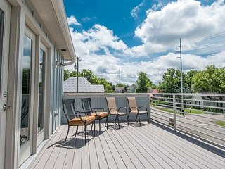 Elegant and Brand New in Nashville with High End Finishes and Roof Deck - Nashville vacation rentals