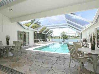 Briarwood 3BR/2BA Single Story Home w/Pool/Spa & Amazing Lake Views - Naples vacation rentals