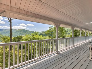 SPECIAL RATES! SPACIOUS FAMILY HOME & AWESOME VIEWS ONLY $149/NIGHT - Maggie Valley vacation rentals