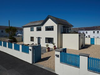 Perfect 5 bedroom Moelfre House with Internet Access - Moelfre vacation rentals