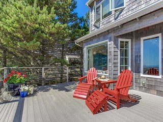 Charming House with Deck and DVD Player - Pacific City vacation rentals
