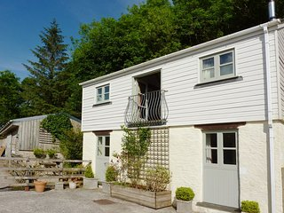 Lovely 2 bedroom Portscatho House with Internet Access - Portscatho vacation rentals