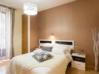 APARTAMENTO ESTUDIO- GRAN VIA 33 - Madrid vacation rentals