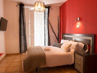 APARTAMENT ESTUDIO- GRAN VIA 30 - Madrid vacation rentals