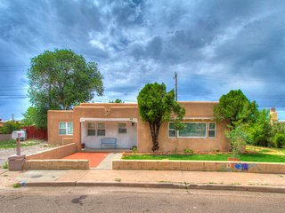 Elegant Property Across for the Santa Fe Rail Yard - Santa Fe vacation rentals
