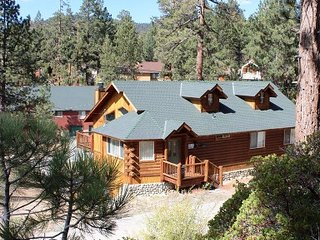 Luxury Log Cabin at Big Bear Lake, CA Sleeps 9 - City of Big Bear Lake vacation rentals