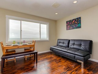 Dog-friendly condo with stunning ocean views & easy beach access! - Lincoln City vacation rentals