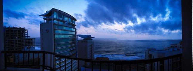 Ocean Front Crescat  Apt - 5* Cinnamon Grand Hotel - Image 1 - Colombo - rentals