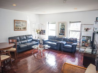 2 bedroom Apartment with Internet Access in New City - New City vacation rentals