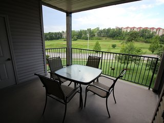 Branson Condo Rental | Thousand Hills | Pool | Hot Tub | Elevator | Golf Views - Branson vacation rentals