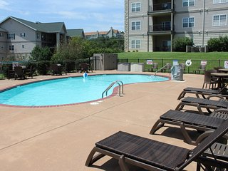 Branson Condo Rental | Thousand Hills | 76 Strip | Pool | Elevator | Golf Views - Branson vacation rentals