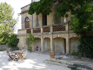 Nice Gite with Television and Grill - Remoulins vacation rentals