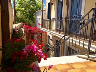 Charming 2 bedroom House in Aegina Town - Aegina Town vacation rentals