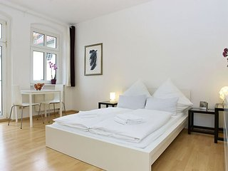 Rhinower 019 apartment in Prenzlauer Berg with WiFi. - Berlin vacation rentals