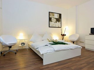 Mitte Stein 076 apartment in Mitte with WiFi. - Berlin vacation rentals