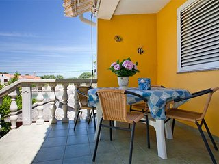 "First row to the sea Apartment ""Palm"" (4+1) - Muline vacation rentals"