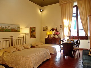 B&B Soggiorno Panerai - Camera Quadrupla - Florence vacation rentals