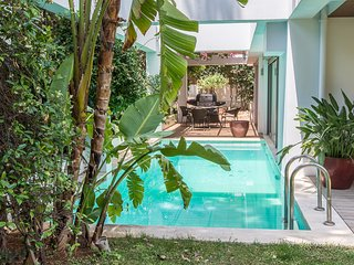 Spacious 4 bedroom Varkiza Villa with Elevator Access - Varkiza vacation rentals