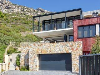 Wonderful 3 bedroom Kalk Bay House with Internet Access - Kalk Bay vacation rentals