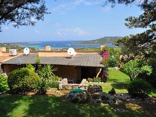 """Casa Vacanze """"Bouganville"""" terrazza vista mare - Palau vacation rentals"""