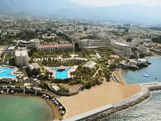Beautiful Resort with A/C and Satellite Or Cable TV - Kyrenia vacation rentals