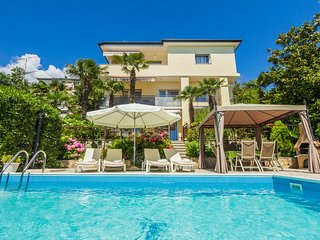 2 bedroom Apartment with Internet Access in Opatija - Opatija vacation rentals